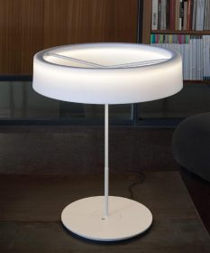 santa-cole-sin-table Table lampo, Santa & Cole, SIN,  Antoni Arola, 2013 This is a lamp that owes its name to the many things it does without.  . Santa & Cole