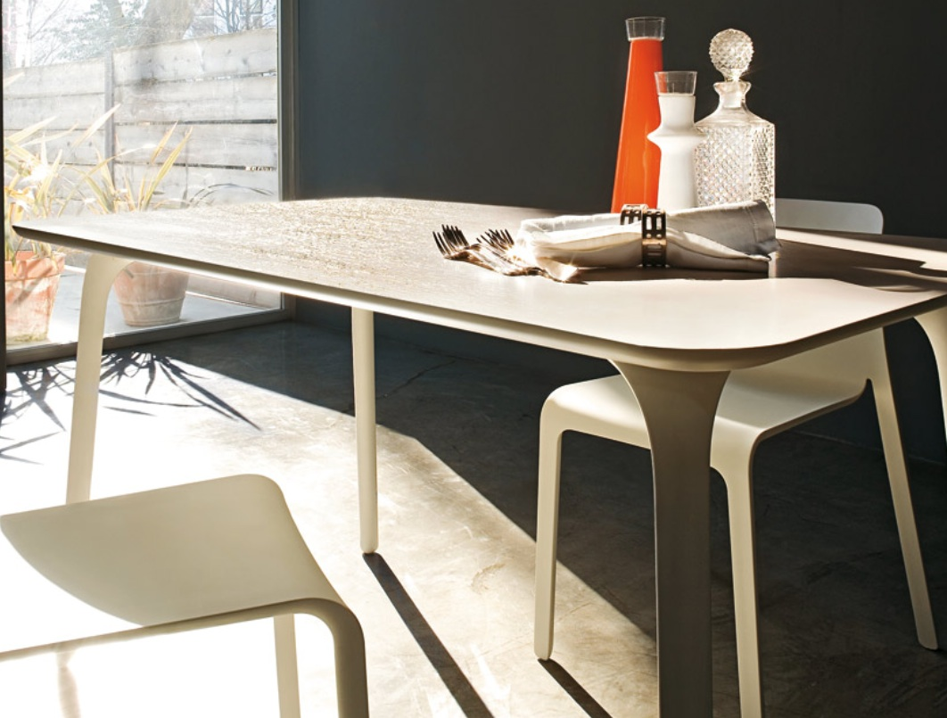 Magis table first rectangular stefano giovannoni owo for Magis table first