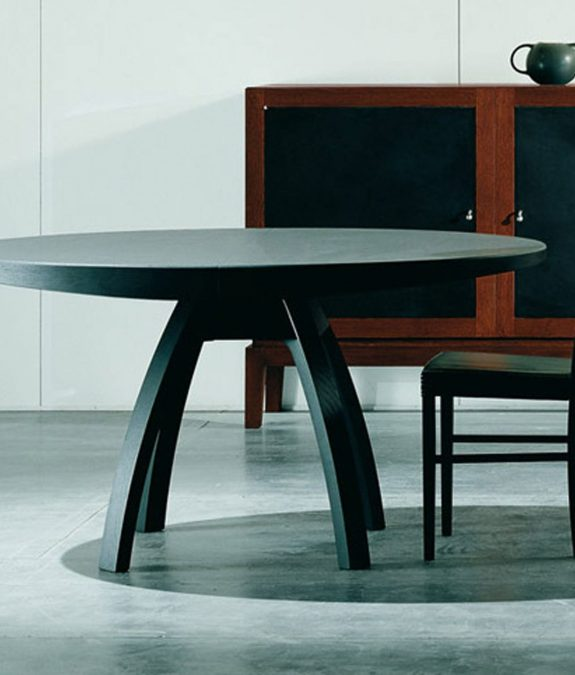 table triangolo grey stained