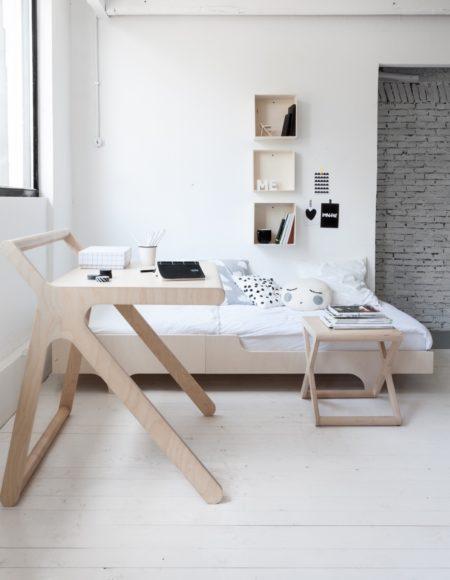 k desk natural